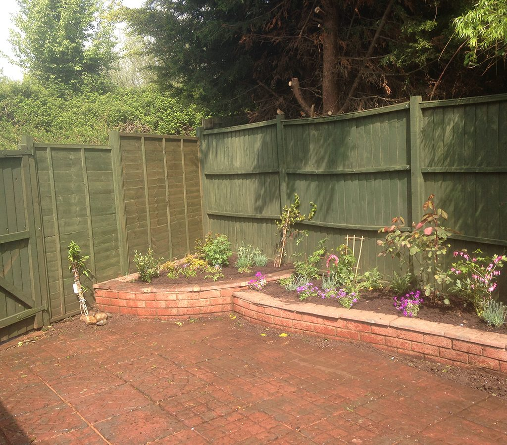 Premier Garden Design And Grounds Maintenance